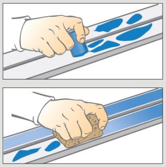 Рецепт смазки лыж твёрдыми мазями. Вы намазываете лыжу банкой или брикетом мази, и растираете её затем пробкой-растиркой до появления однородного блестящего слоя.
