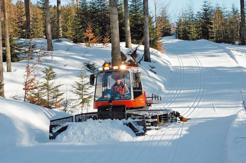 Даже малый ретрак, как, например, этот Пистен Булли Паана, позволяет подготовить весьма качественную лыжную трассу. фото: Пистен Булли
