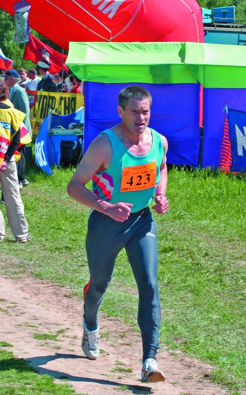 На трассе Тридцаточки 2004 года - москвич Александр Домкин, занявший очень высокое 27 место среди 192 финишировавших участников, и 4-е место по своей возрастной группе 45 - 49 лет.