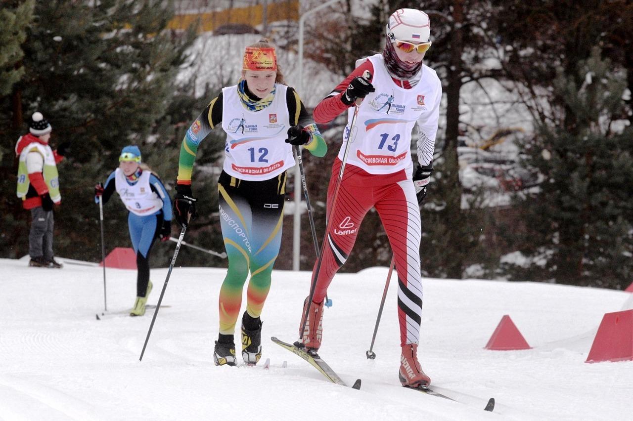 1. На дистанции Александра Черня под номером 13 - четвертый результат.