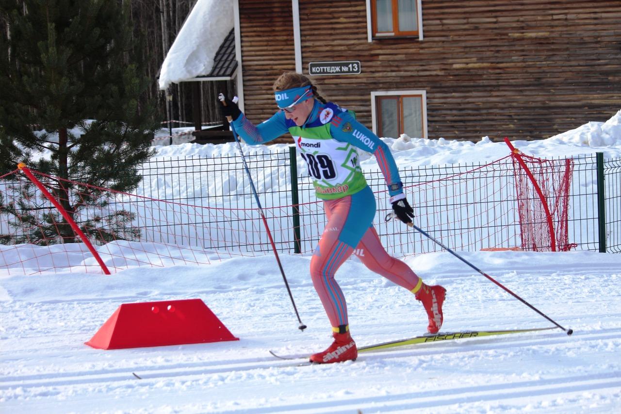 На последнем подъеме Полина Некрасова уже шла лидером, улучшая время Ольги Кучерук.