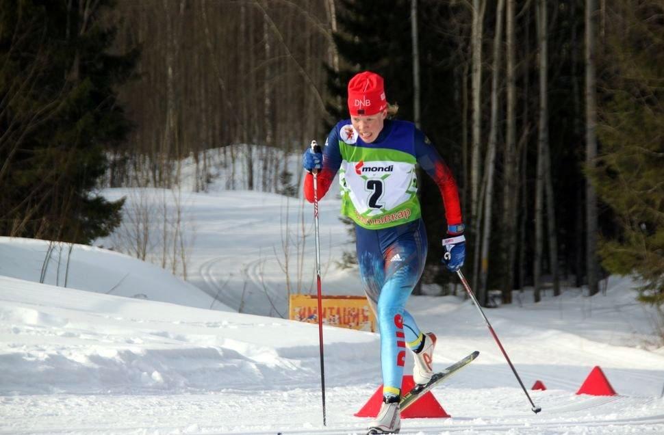 17-летняя Елизавета Шалабода на дистанции 5-километровой гонки.