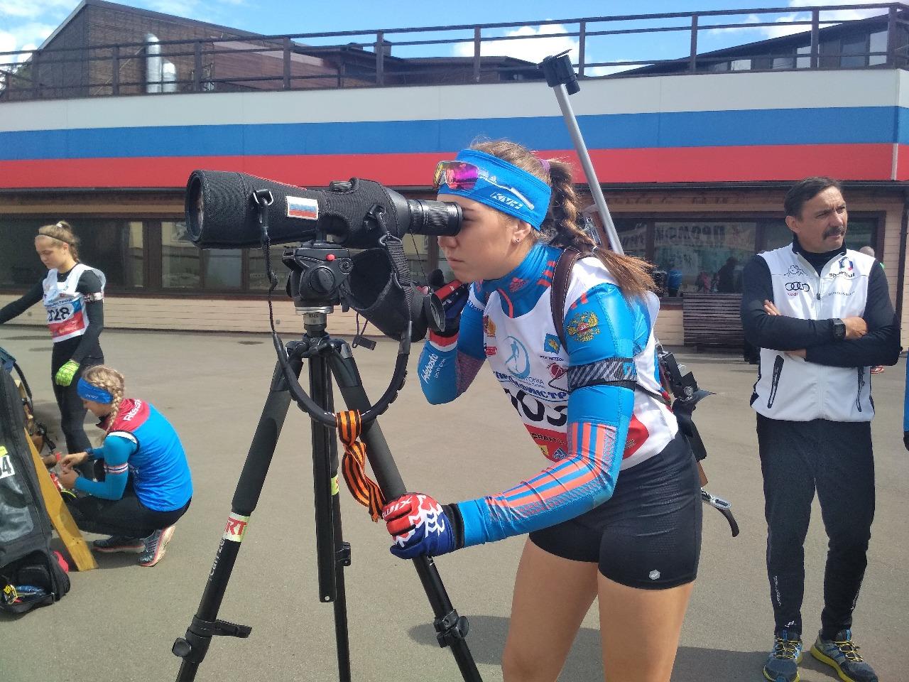 Полина Большакова тренируется с командой за счет региона