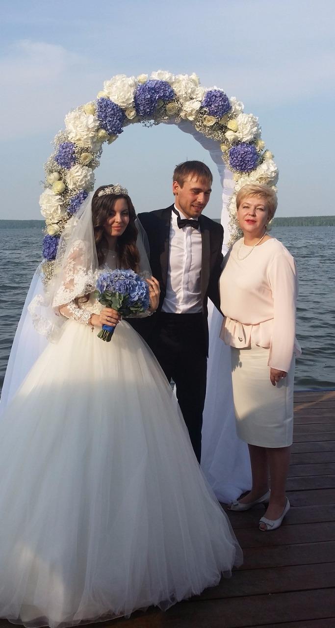 Опубликованы фото и видео со скандальной свадьбы в Грозном