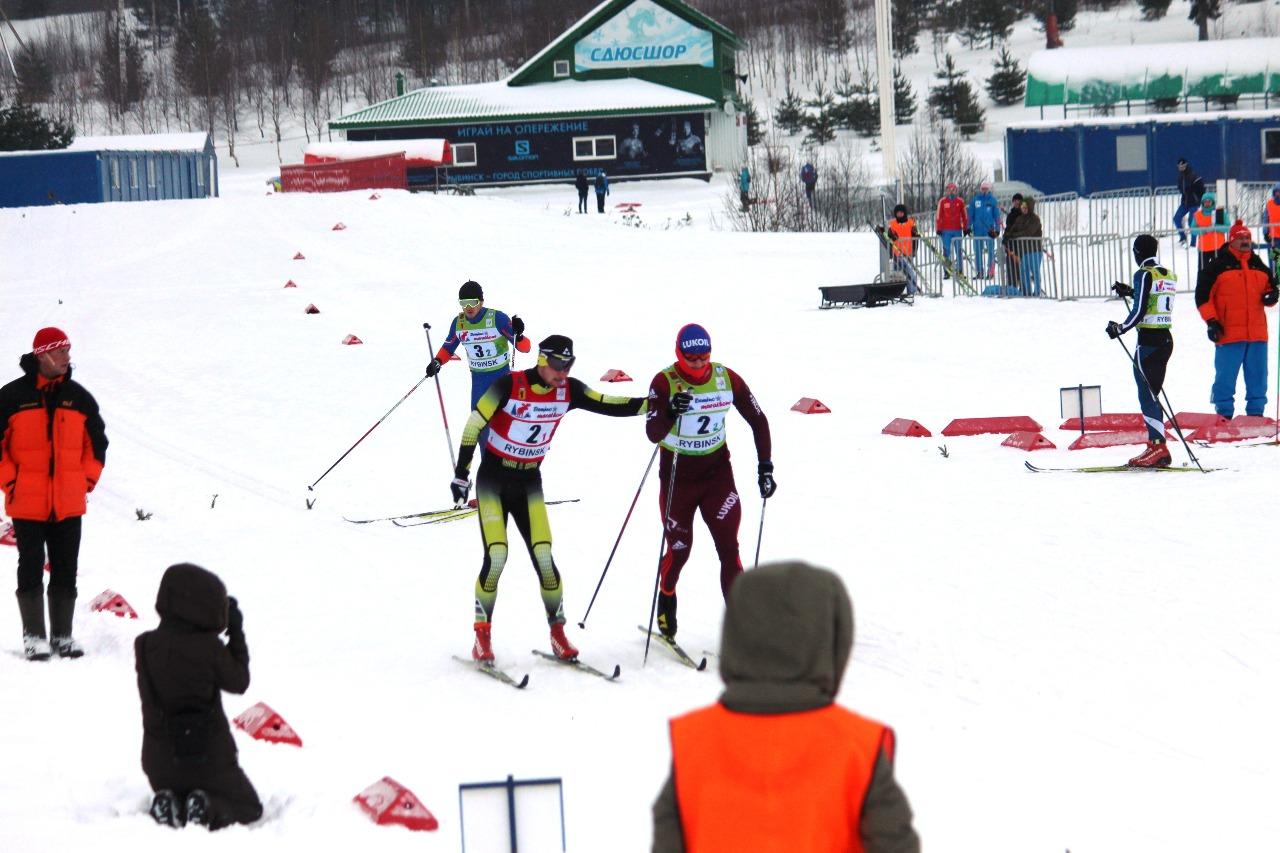 Антон Тимашов отправляет на второй этап Сергея Новикова.