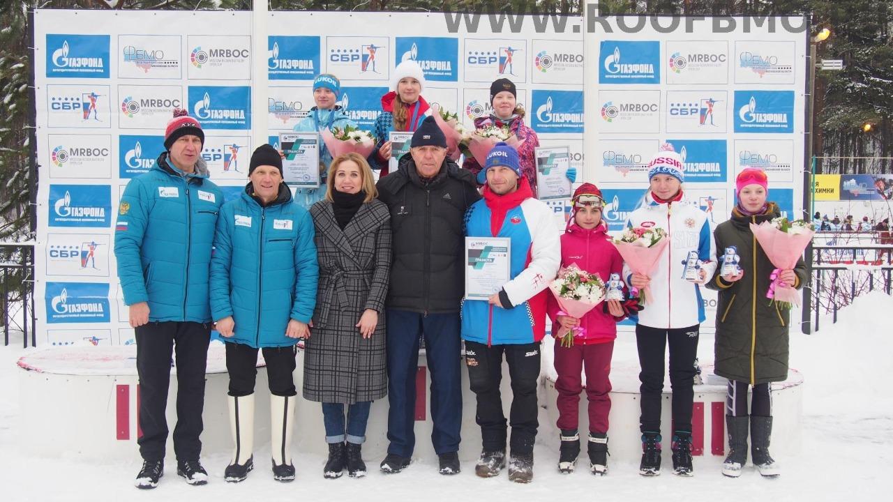 Победительница, призеры и дипломанты спринта, показавшие 6 первых результатов среди девочек.