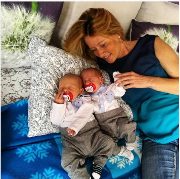 Вероника - мама прекрасных близнецов