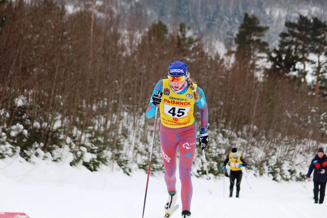 Наталья Смирнова на первом кругу на этом подъеме идет с лидирующим результатом.