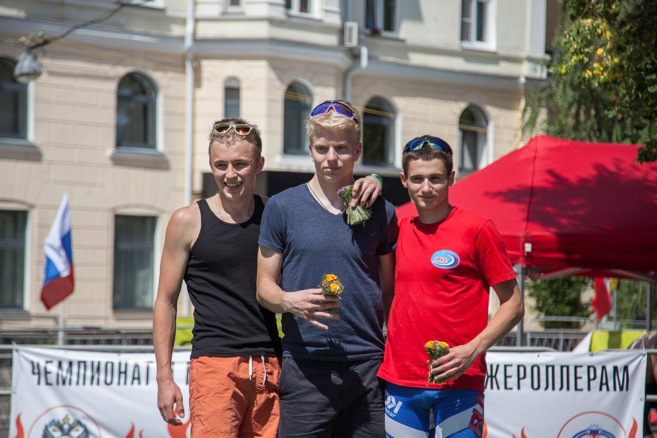 Тройка призеров юниоров: Каракосов, Эссенсон, Нечаев
