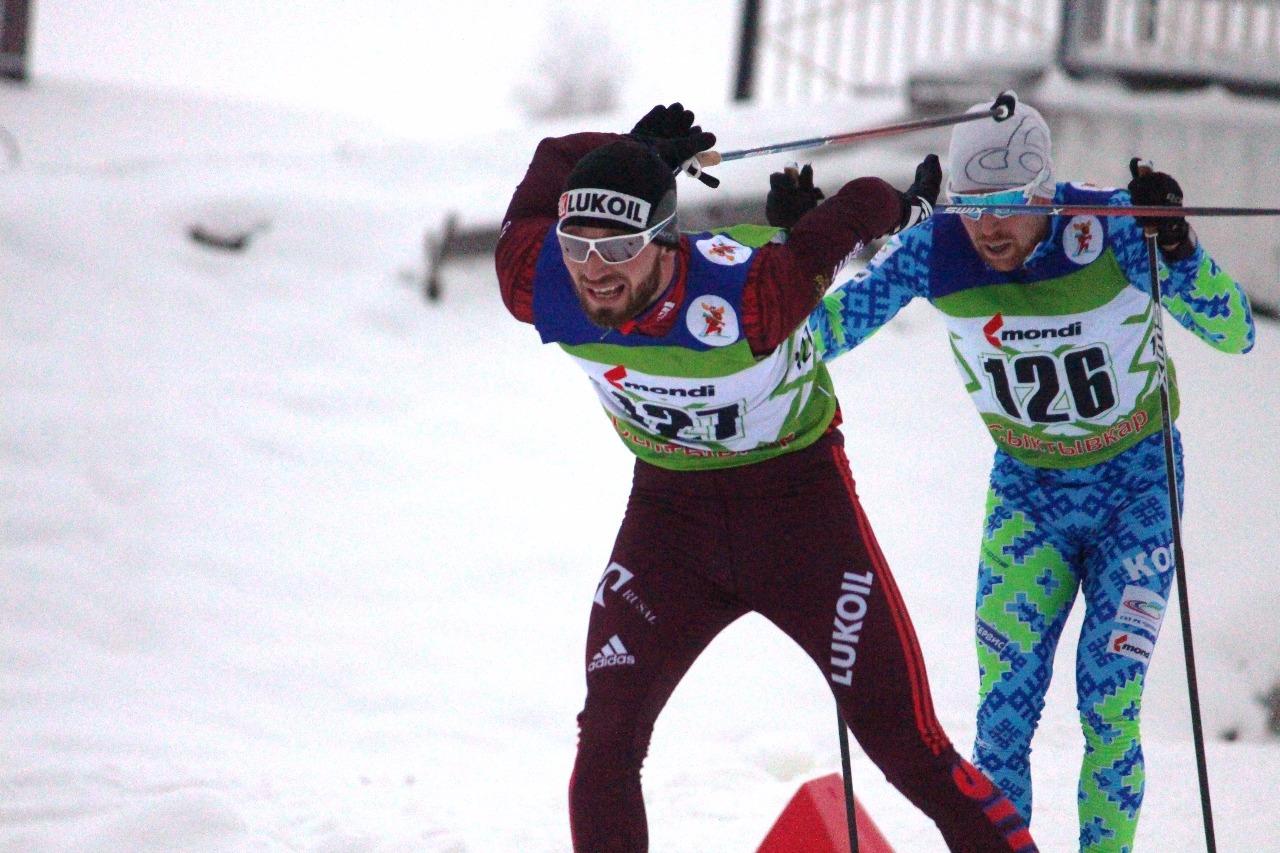 Артем Мальцев на всех парах мчится к своей победе. Следом за ним держится Илья Семиков, отстоявший таким образом свое второе место.