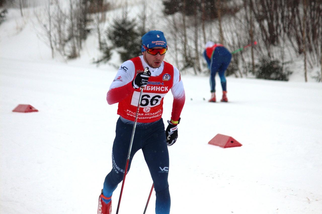 Антон Быков набирает скорость.