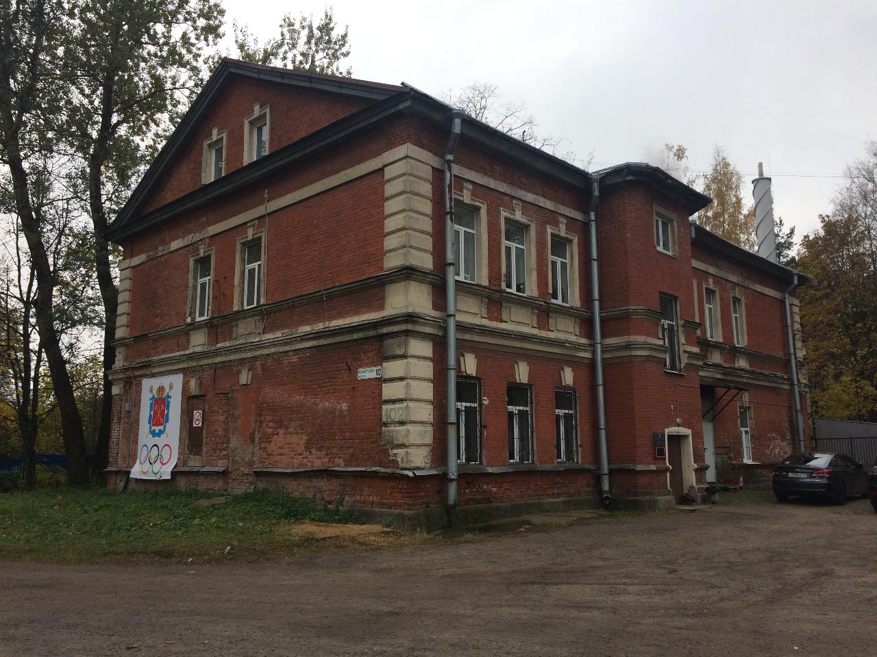 Здание школы Выборгского района