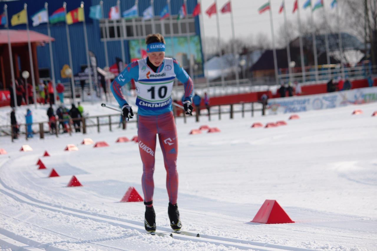 Андрей Некрасов начинает гонку.