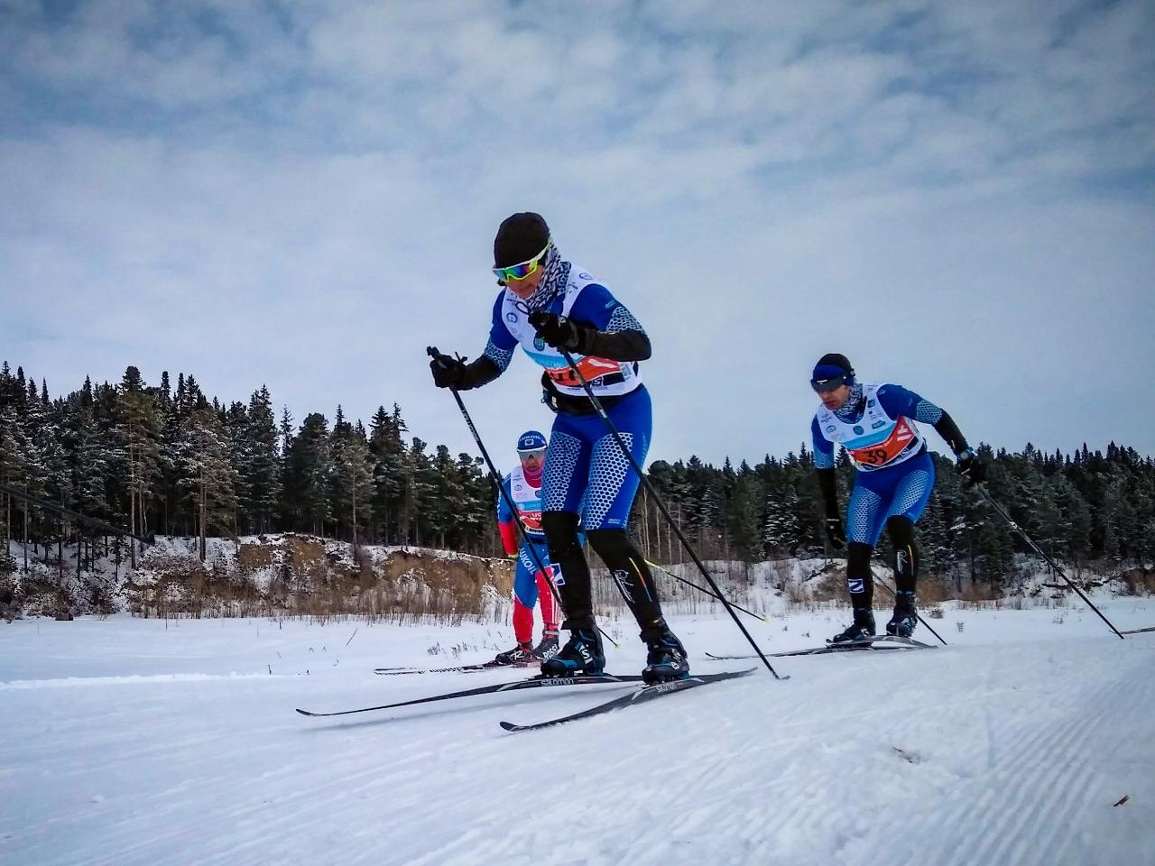 На лыжне семья Зерновых: Наталья и Сергей