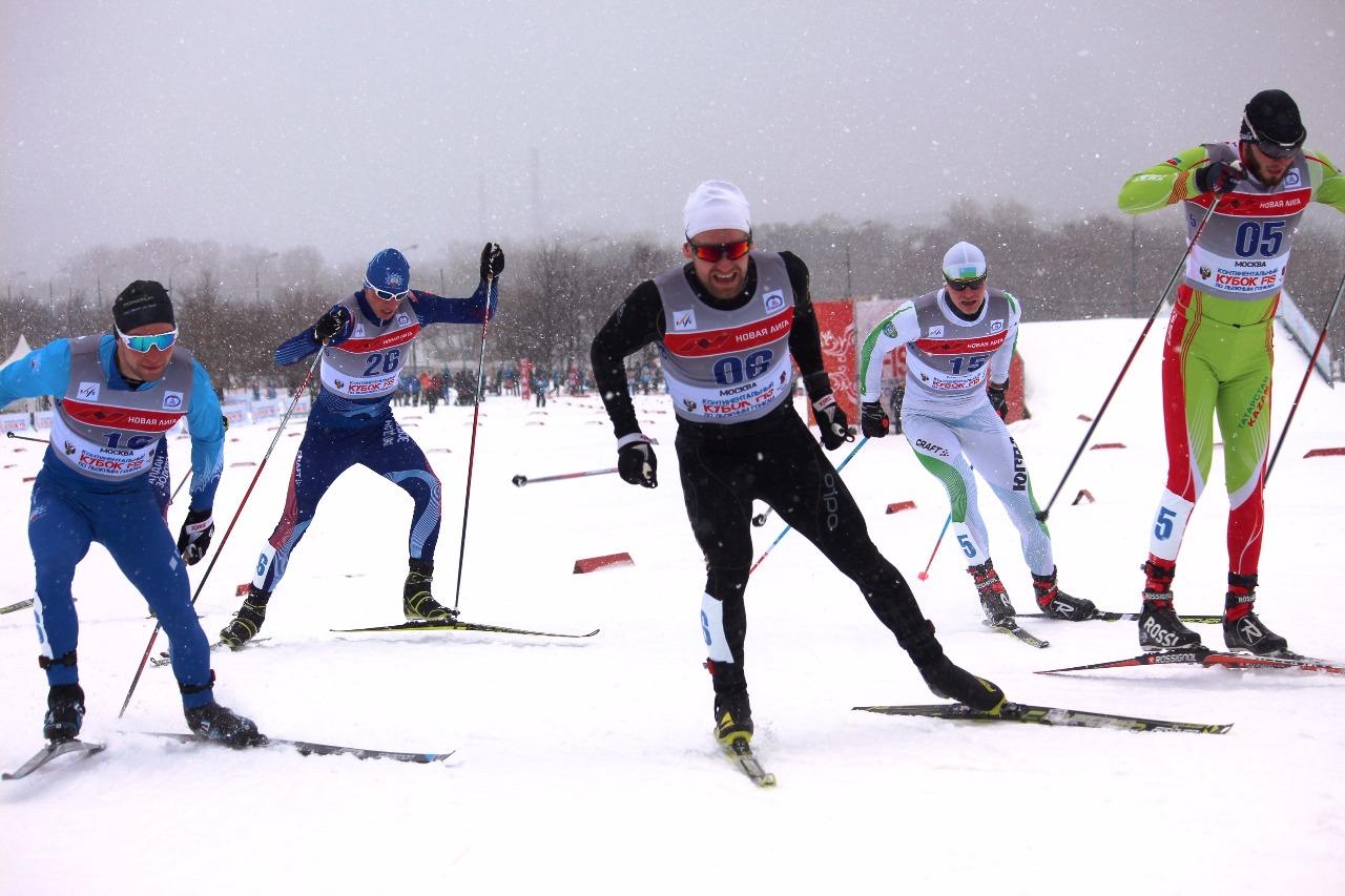 Иван Анисимов (номер 16), Андрей Власов (номер 6) и Ильдар Файзуллов (номер 5).