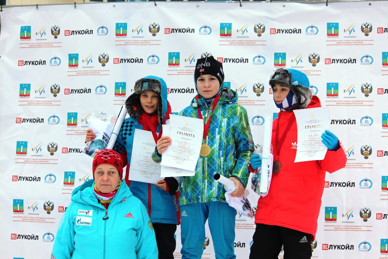 Победитель состязания самый младших мальчиков Артем Барков, серебряный призер Денис Гончарук (ЛК Наседкина) и бронзовый призер Кирилл Ракитин (Одинцовский район).