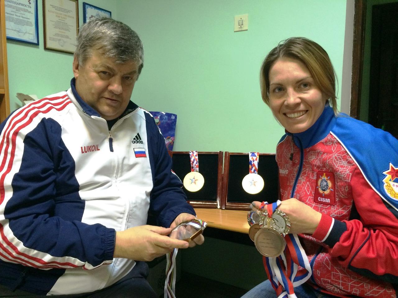 Ефимов и Ильина с наградами Всемирных военных Игр в Сочи.