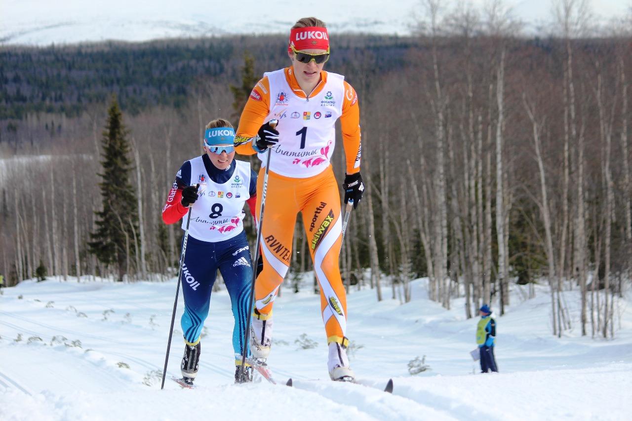 Долгое время лидировала в 50-километровом марафоне на чемпионате России Ольга Царева. И рядом с ней держалась Дарья Сторожилова. Однако в итоге Ольге удалось занять лишь второе место.