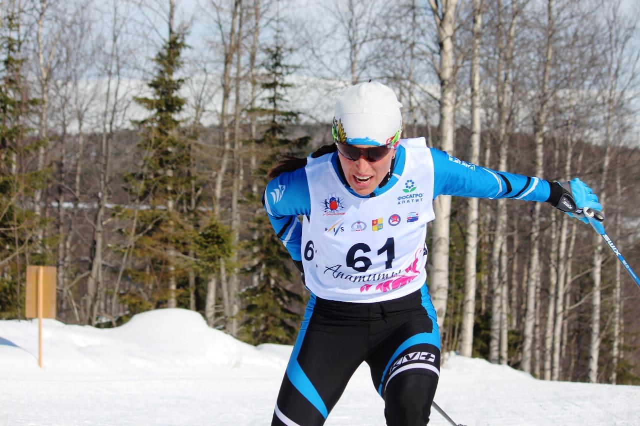 Анна Белая на втором кругу дистанции.