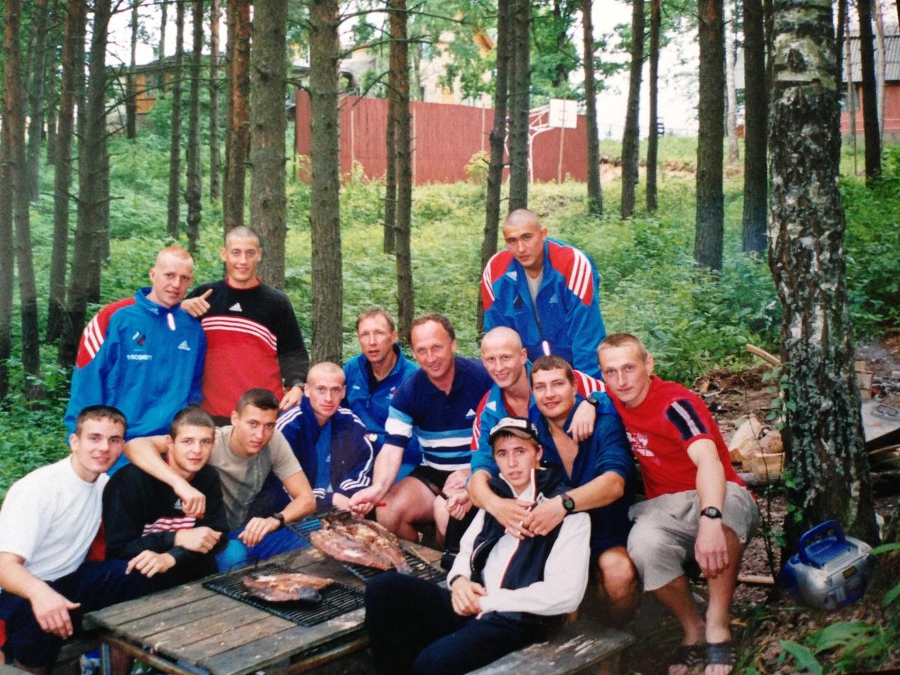 Команда Ю.В.Бородавко на сборе в Острове.