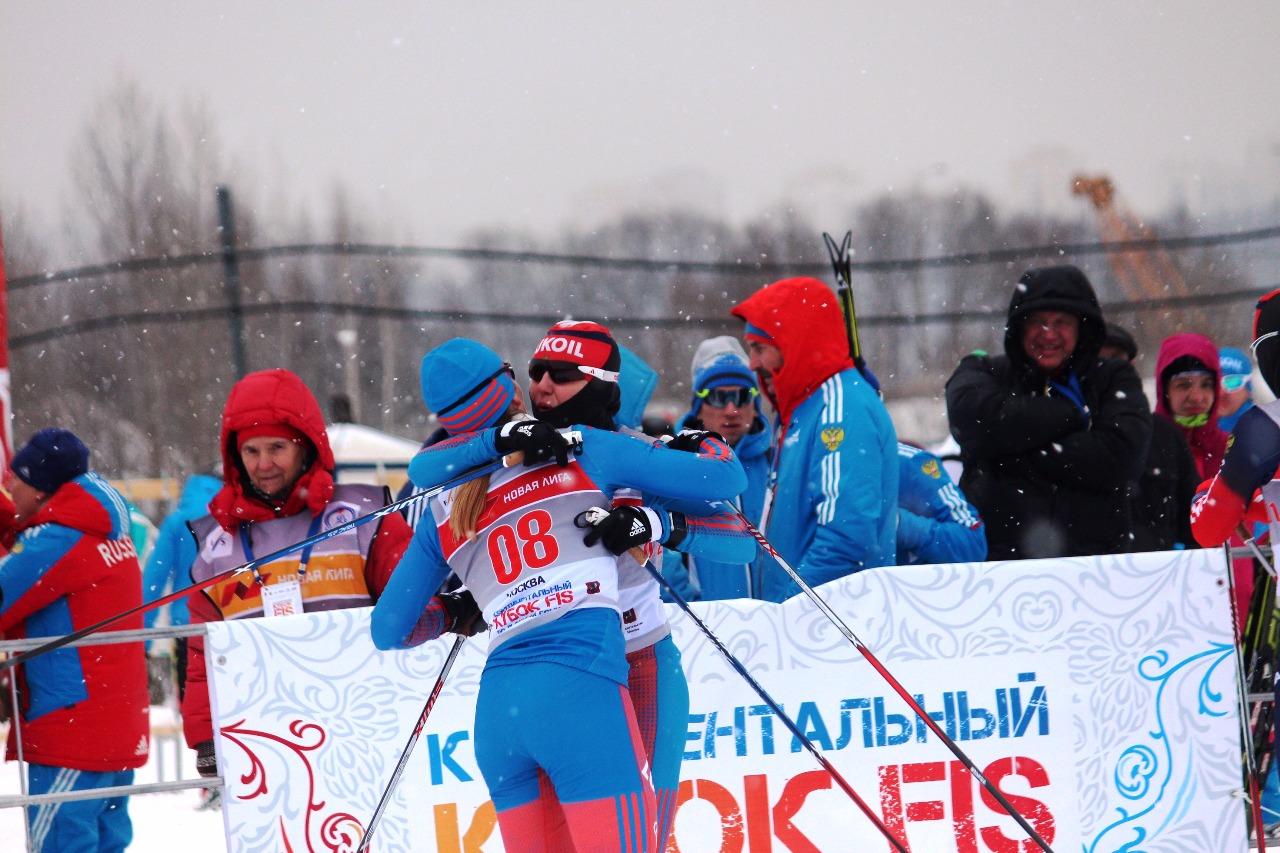 Поздравления на финише: Нечаевская - Ильина.