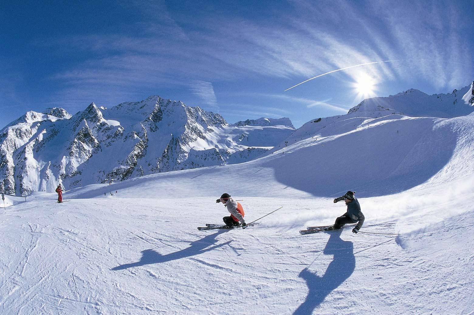 Италия-Франция. Одна лыжа тут, а другая там.
