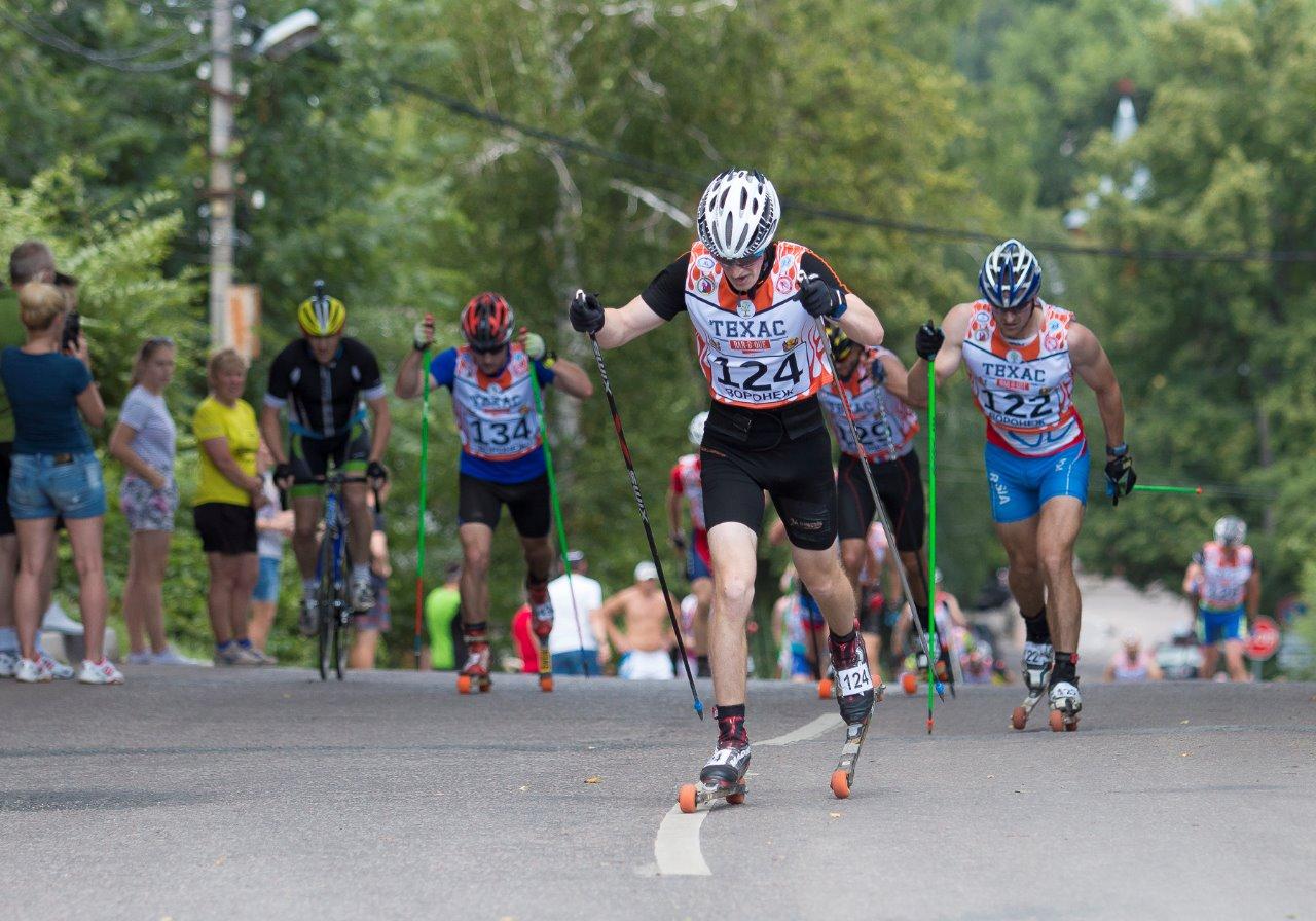 Развязка гонки: лидирует Андрей Нищаков, следом - Евгений Цепков, Никита Куракин (№134) и Андрей Смолянин (№129). В таком порядке они и финишируют.