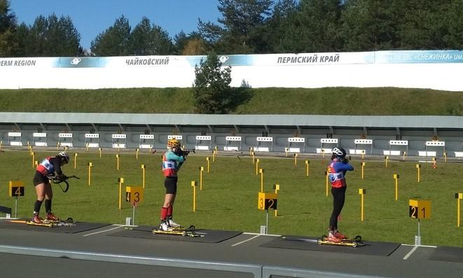 Кристина Резцова (в центре) выводит команду на второе место