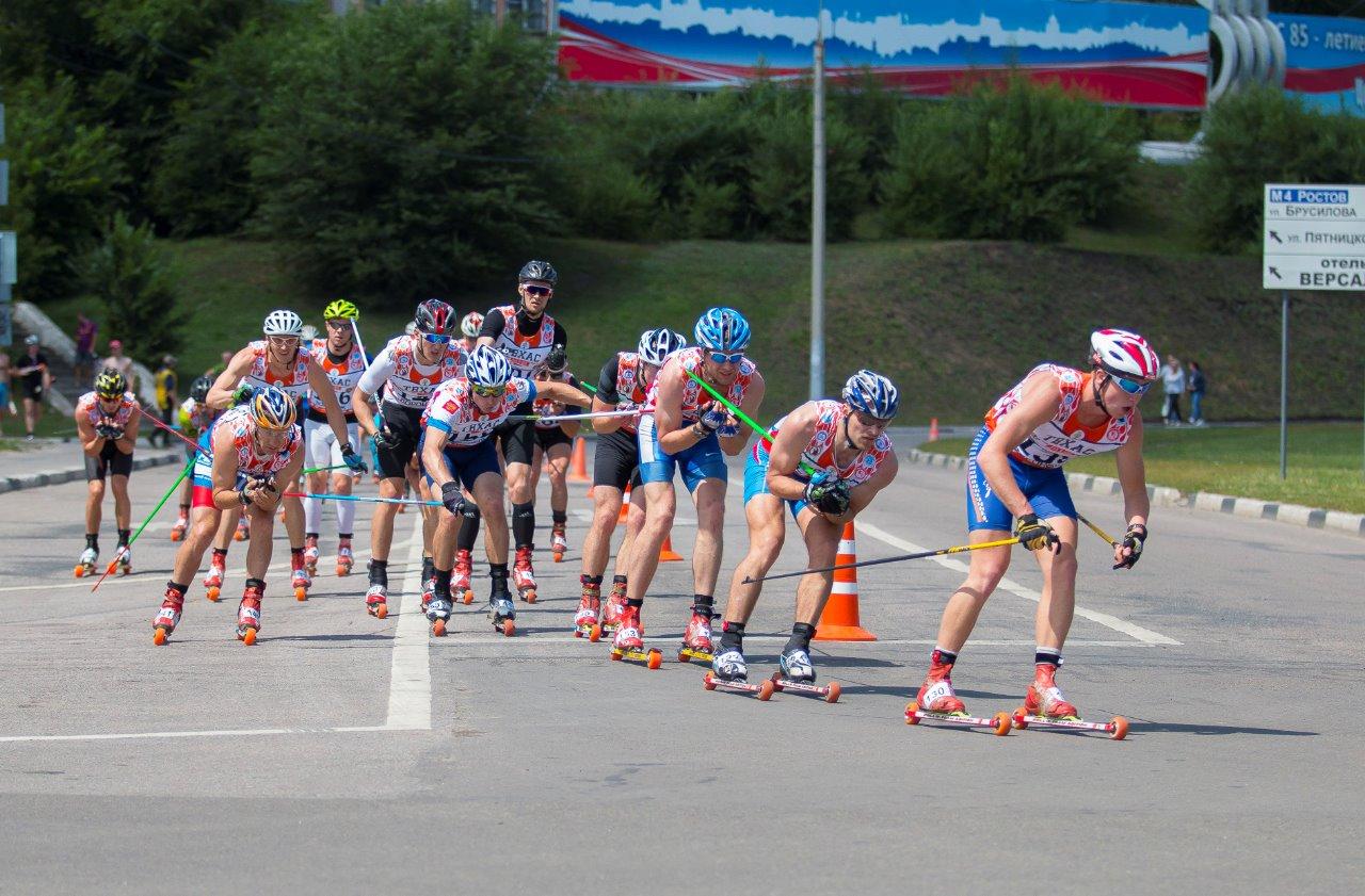 Хабаров по-прежнему лидирует, следом идут Евгений Цепков и Сергей Корсаков. Для Никиты Хабарова гонка закончится на 22-м месте.