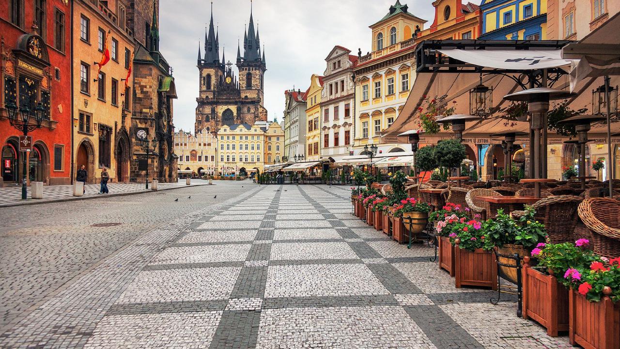 Прага прекрасная в любое время года, а мы встретим там Рождество