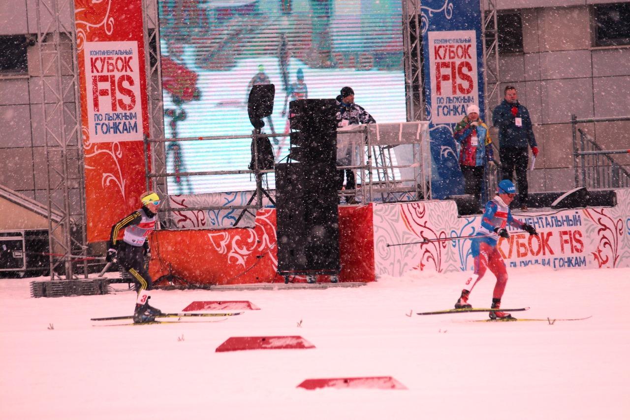 Первая - Ильина и вторая в забеге - Казакул.