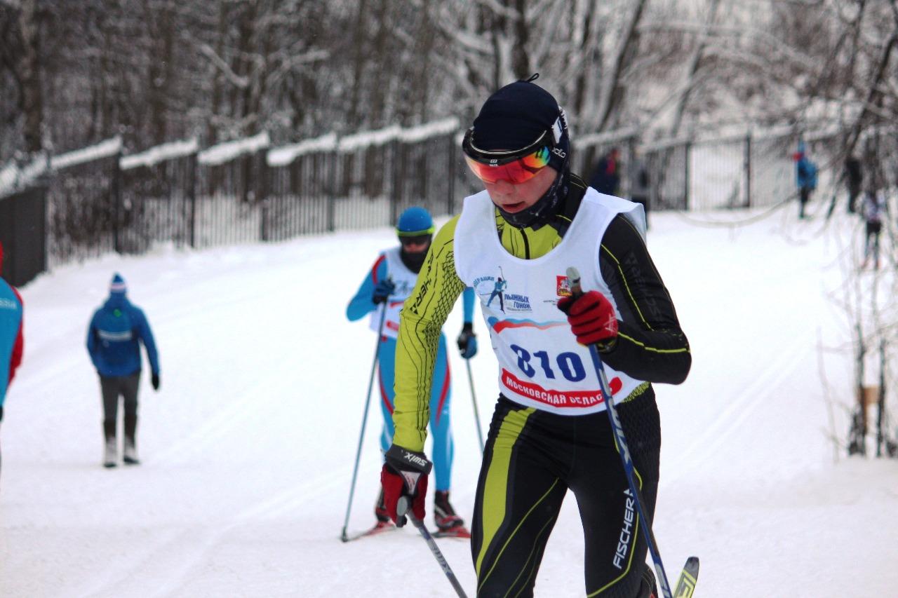 Артем Копейкин бежит к своему бронзовому результату.