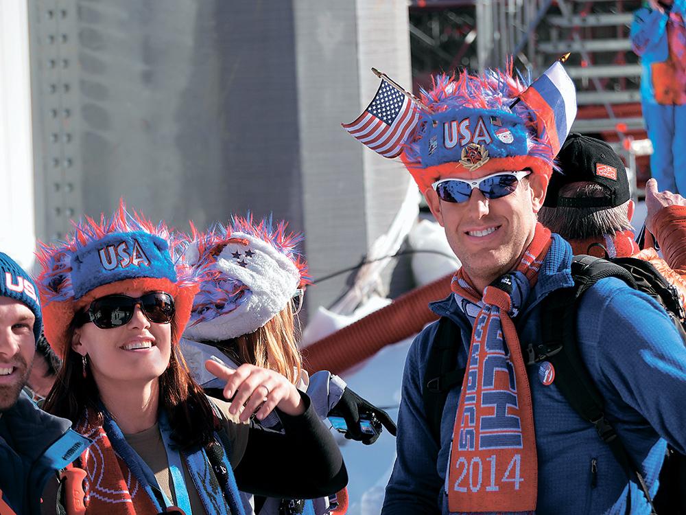 Американских болельщиков невозможно было не узнать даже в шарфах ссимволикойСочи-2014