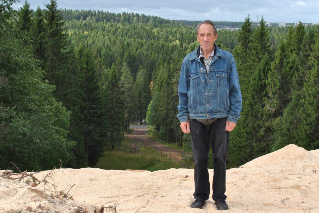 Александр Васильев горд тем, что научил российских звезд правильно одеваться