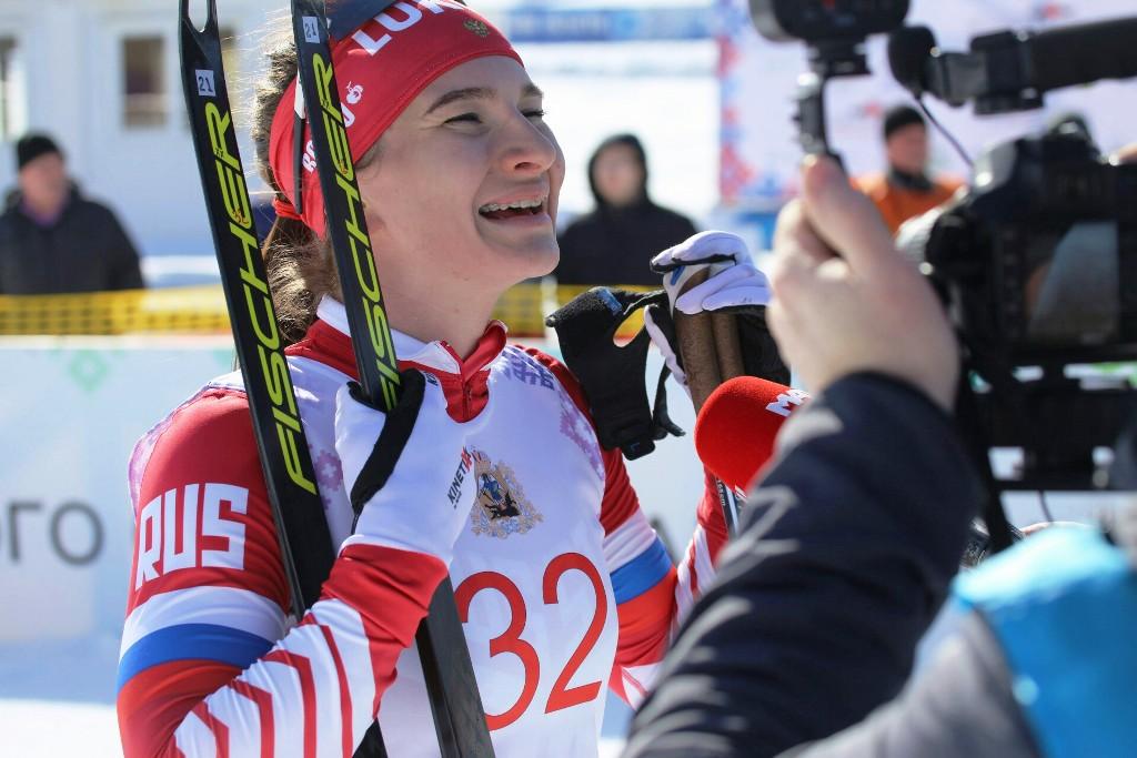Наталья Непряева дает интервью после финиша