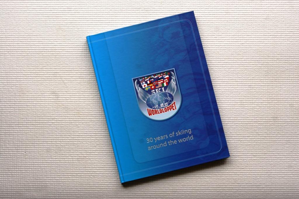 Книга, посвящённая 30-летию Worldloppet, была написана Эпп Паал и Анжело Коррадини и выпущена в свет в 2007 году. В этом году, кстати, движению Worldloppet исполняется уже 40 лет :)